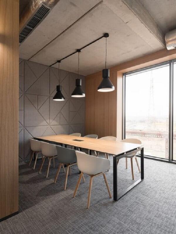 decoração moderna com mesa de reunião escritório com tampo de madeira Foto Office Snapshots
