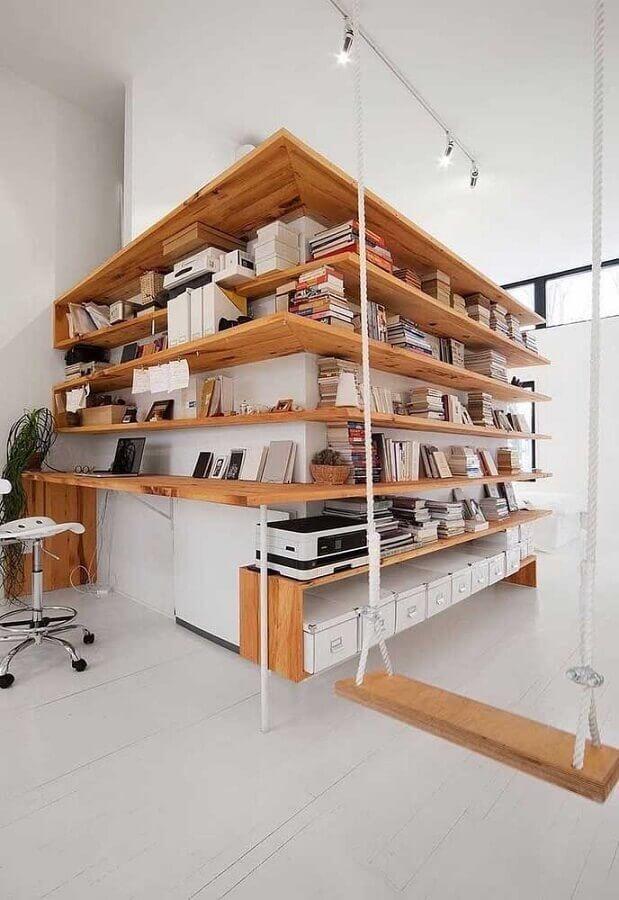 decoração moderna com prateleira de canto de madeira Foto Futurist Architecture