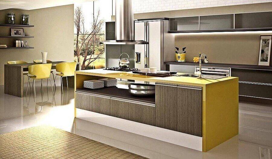 decoração moderna para cozinha modulada com ilha amarela Foto Webcomunica