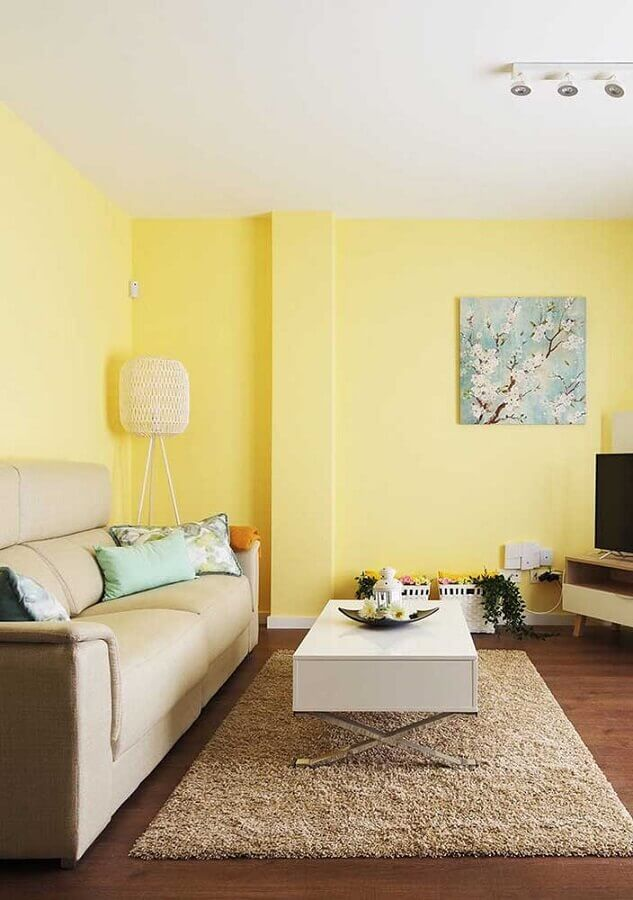 decoração para sala com parede amarela Foto Webcomunica