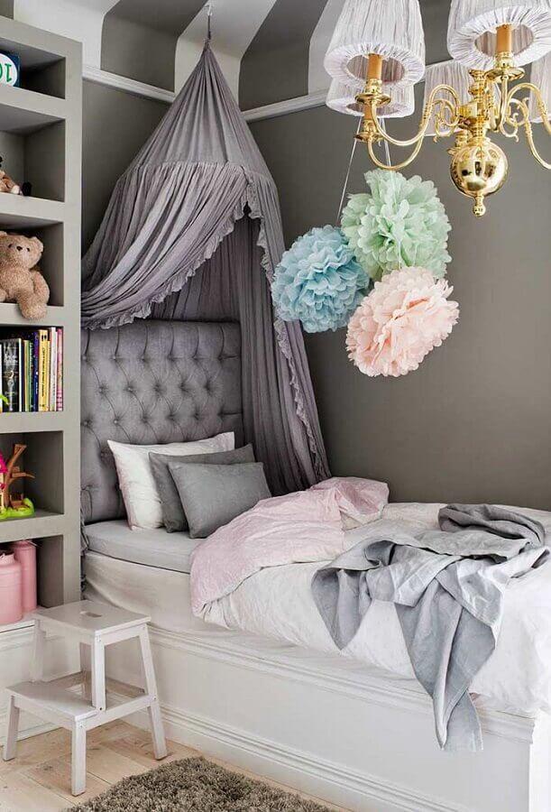 decoração quarto de menina cinza e branco com dossel Foto Pinterest