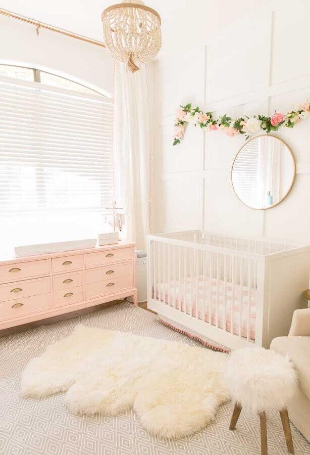 decoração romântica e delicada para quarto de menina bebê rosa e branco Foto Pinterest