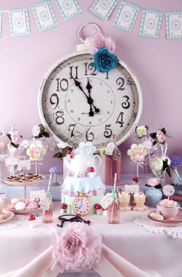 pink decoration for Alice in Wonderland children's party Foto ArchZine