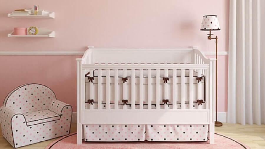 decoração simples de quarto de bebê rosa e branco Foto Webcomunica