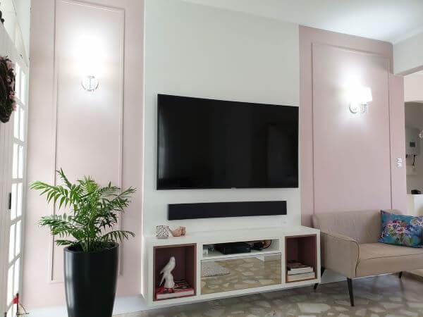 Decoração com home theater e painel para tv