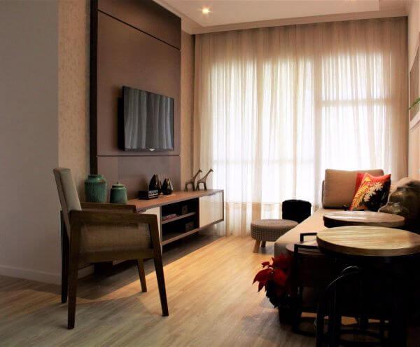 Painel para tv na sala de estar pequena