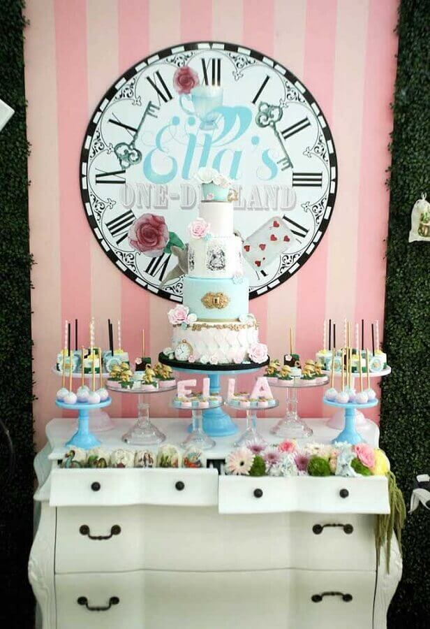 delicate Alice party decoration in simple blue and pink Wonderland Photo Pinterest
