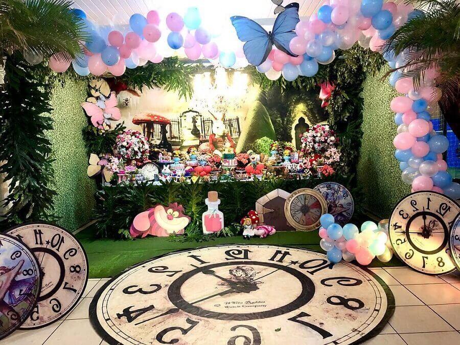 details for alice party decoration in wonderland Photo Melissa Azevedo
