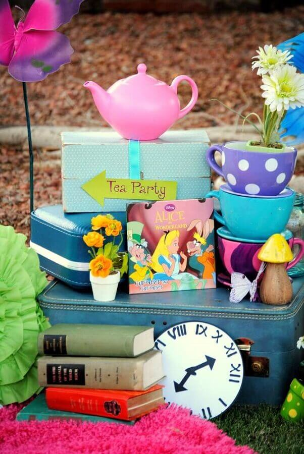 details for alice party decoration in wonderland Foto The Cake Boutique