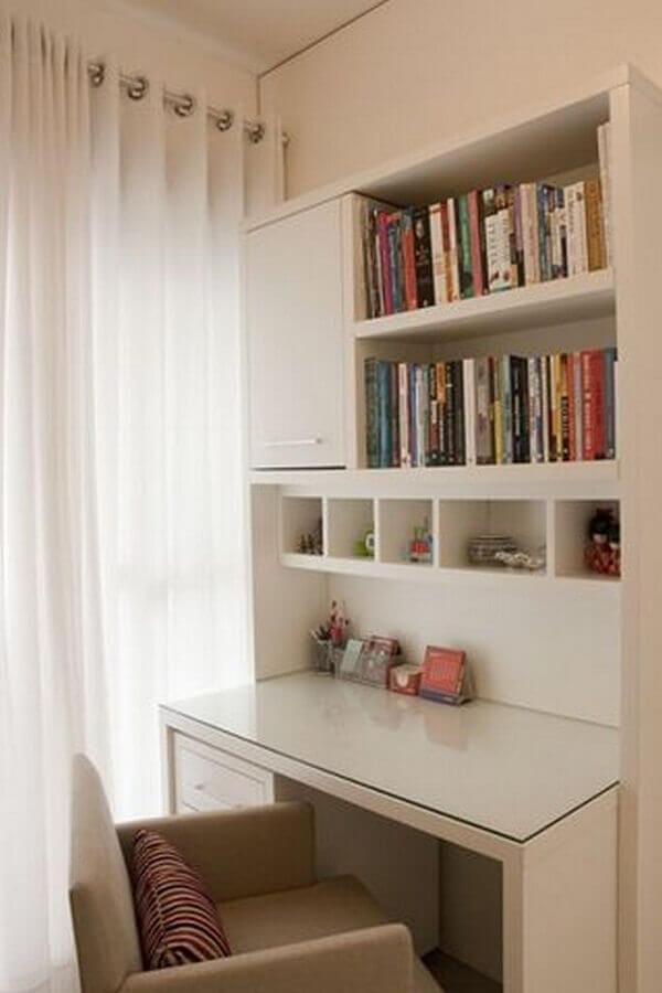 escrivaninha branca com estante Foto Pinterest
