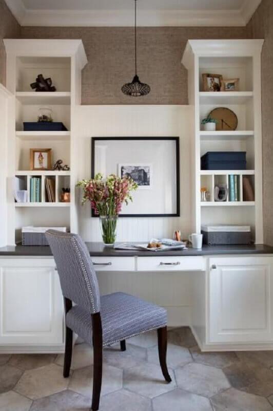 escrivaninha com estante e gavetas planejada Foto Pinterest