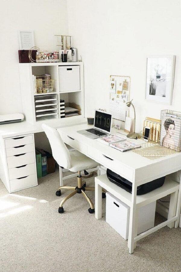 escrivaninha de canto com estante e gavetas brancas Foto Home Remodel Entryway