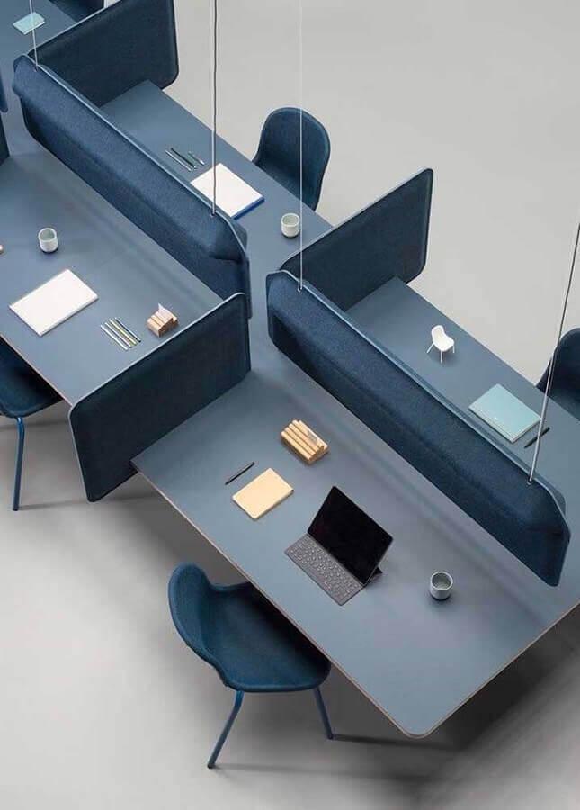 estação de trabalho com mesa de escritório cinza Foto Futurist Architecture