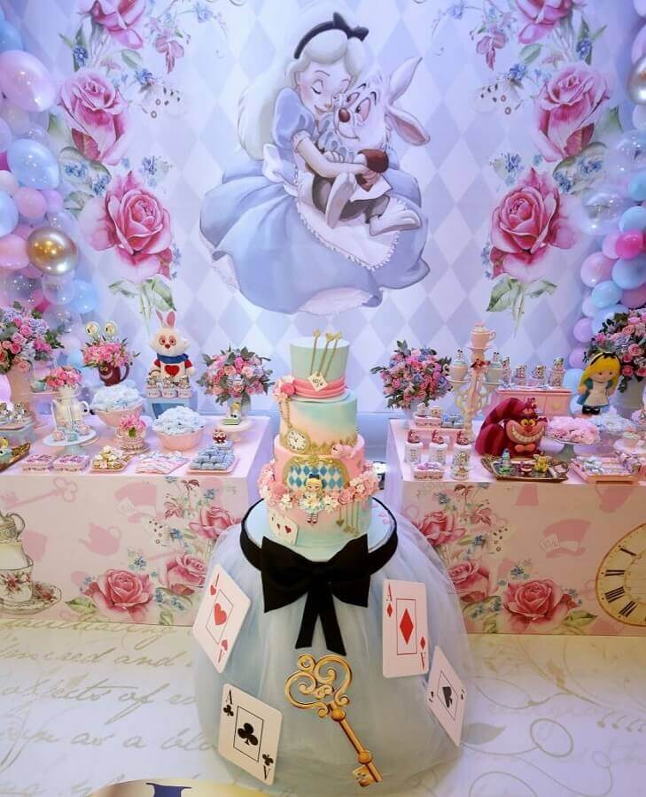 fifteenth birthday party Alice in Wonderland Photo Catch My Party
