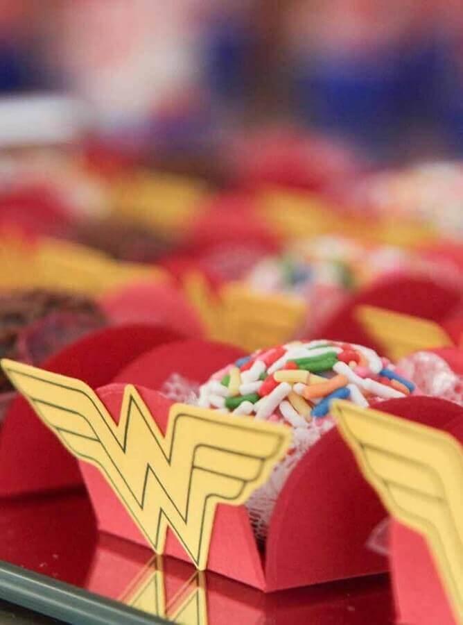 forminhas de doces para festa tema mulher maravilha Foto Home Fashion Trend