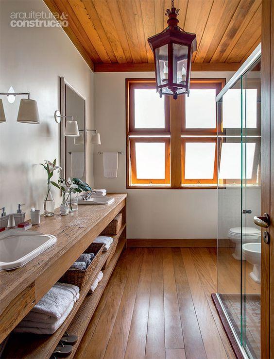 Janelas de madeira para banheiro iluminado