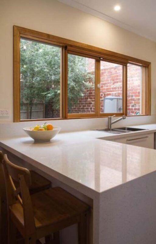 Janelas de madeira para cozinha