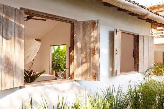 Janela de madeira para casa moderna