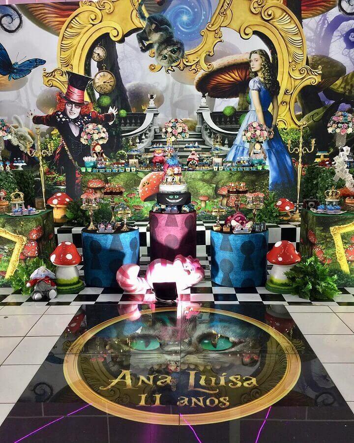 beautiful fifteenth birthday party decoration Alice in Wonderland Photo Happy Fest