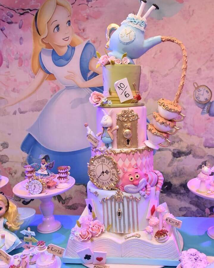 beautiful alice party cake in pink wonderland Photo Solange Cake