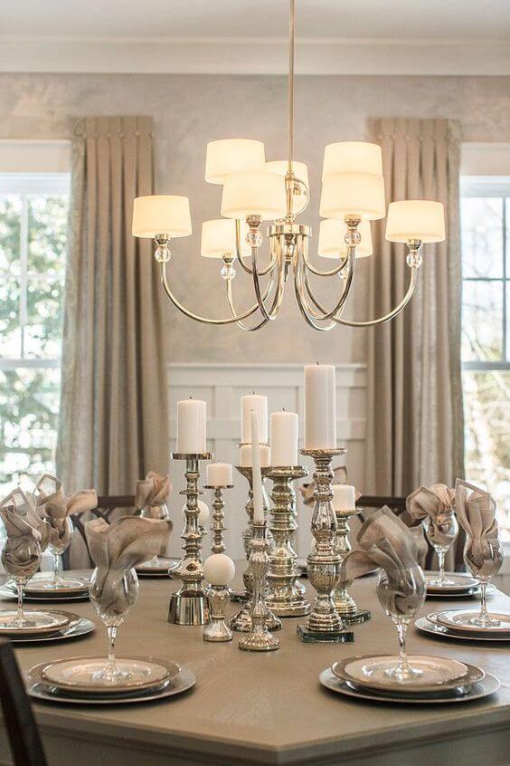 Lustre candelabro na sala de jantar
