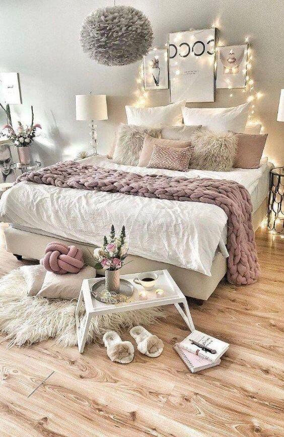 Lustre para quarto de casal cinza e rosa super moderno