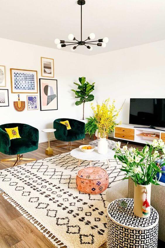 Lustre para sala pequena e colorida
