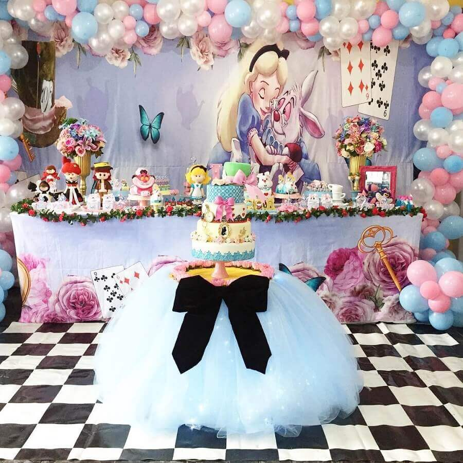 cake table for fifteenth birthday party Alice in Wonderland Photo Workshop of the Twins
