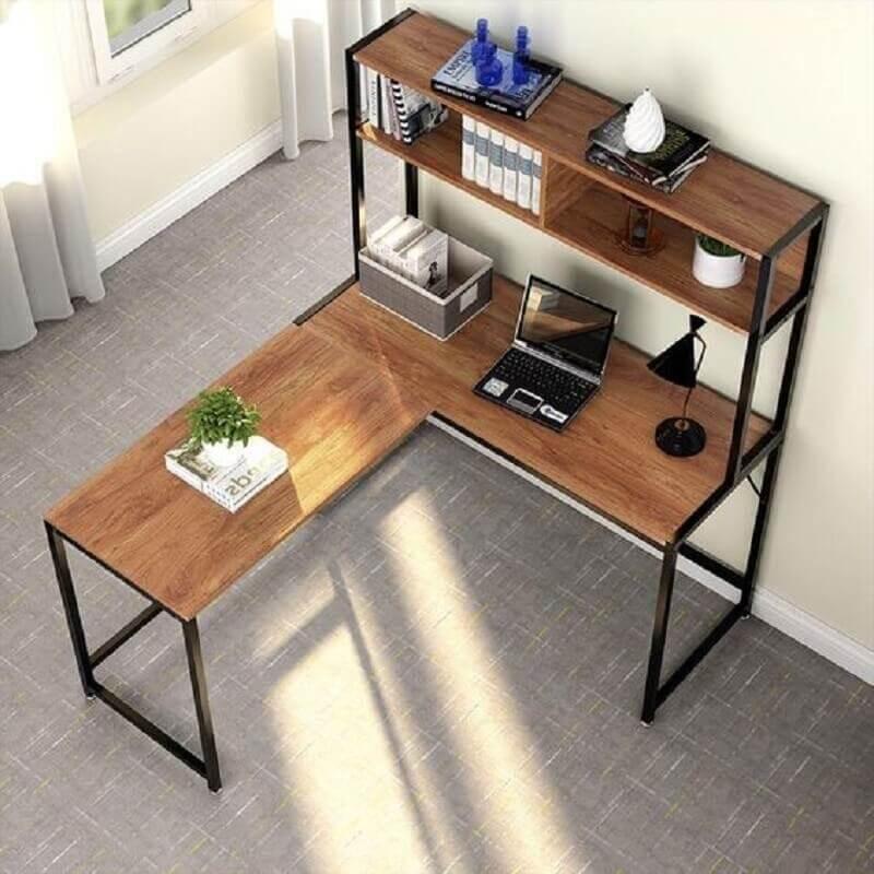 mesa de canto para escritório com prateleiras Foto Pinterest