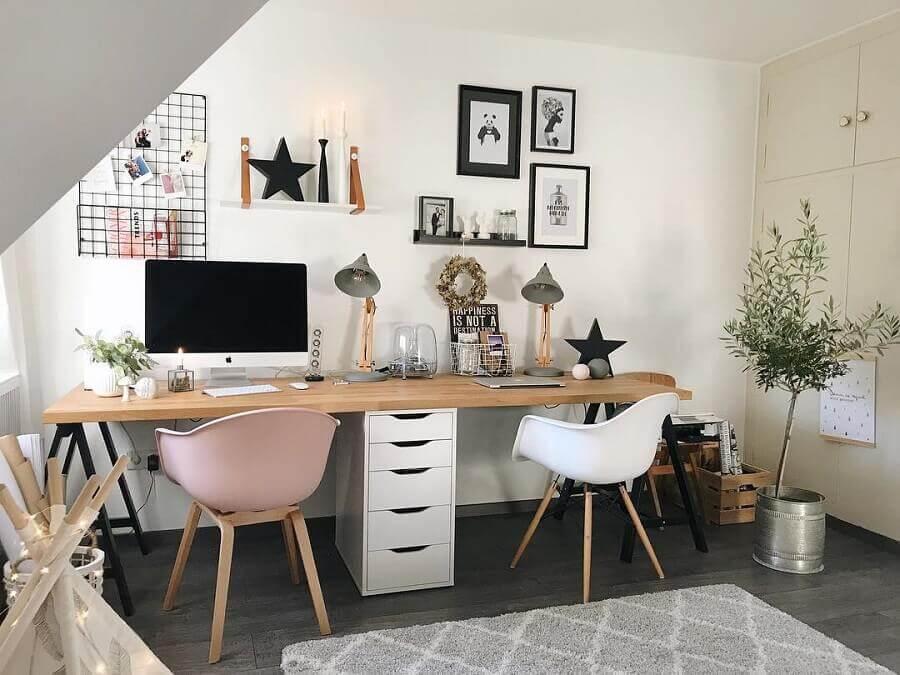 mesa de escritório simples com gaveteiro branco Foto A Place For Us