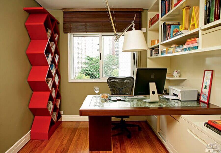 mesa de madeira para escritório pequeno Foto SmartMe
