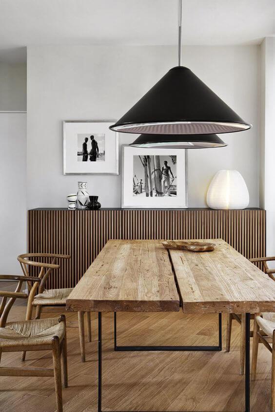 Escolha a mesa de madeira rústica para decorar sua casa