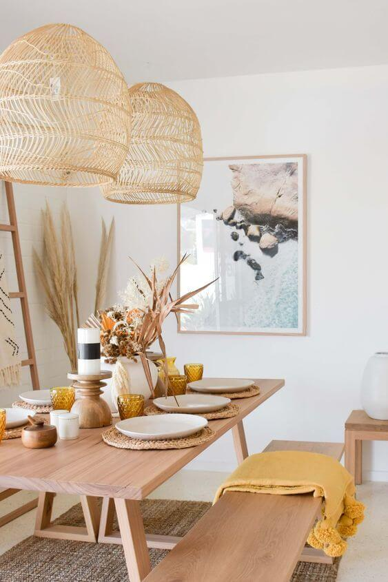 Decore sua casa com a linda mesa de madeira rústica