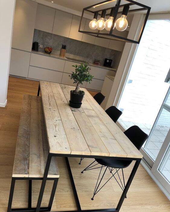 Mesa de madeira rústica industrial