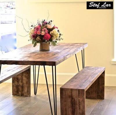 Mesa de madeira rústica para varanda