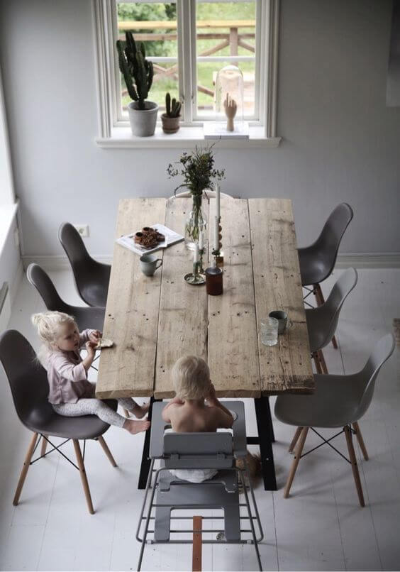 Mesa de madeira rústica para sala de jantar clean
