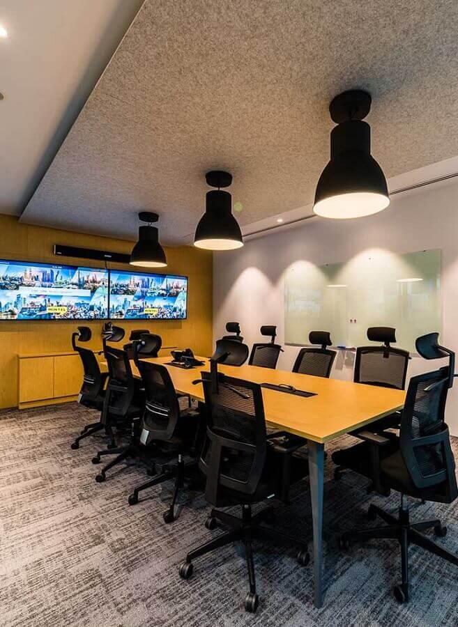 mesa de reunião para escritório com suporte para fios Foto Pinterest