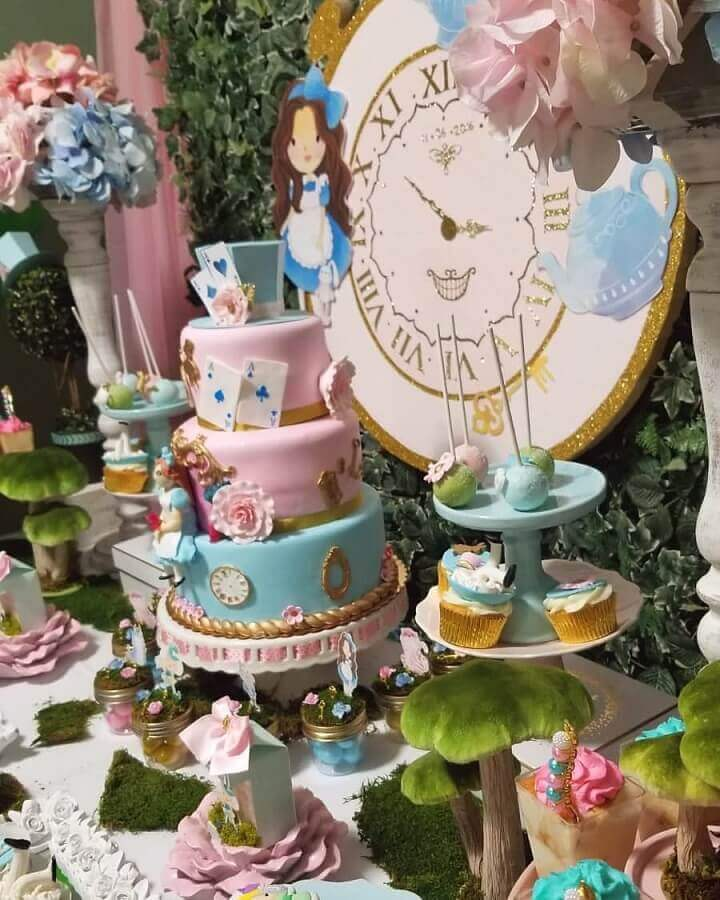 decorated table for alice's wonderland children's party Photo Naty's Custom Party Creation