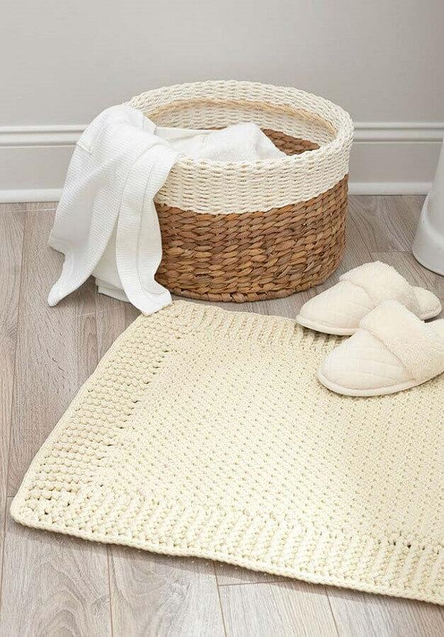modelo de jogo de banheiro simples bege Foto Apartment Therapy
