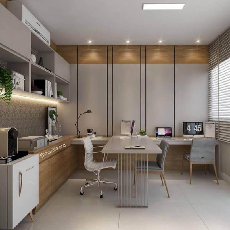modelo de mesa de escritório moderna Foto Marília Zimmermann Arquitetura e Interiores