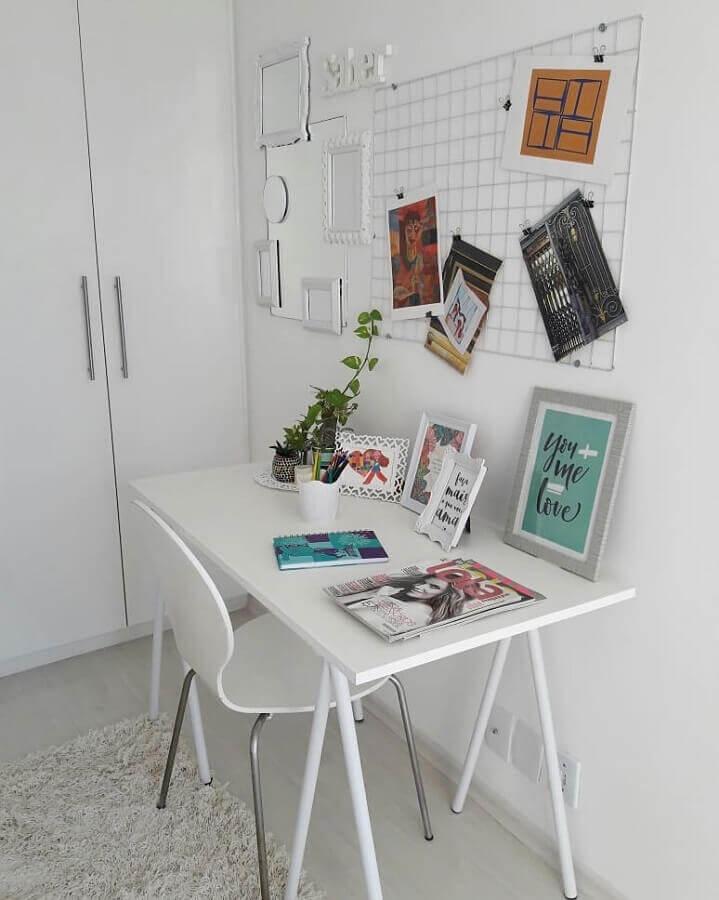 modelo de mesa de escritório pequena e simples Foto Fernanda Reali