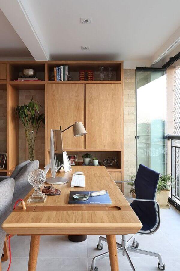 modelo de mesa de madeira para escritório com armário Foto Casa de Valentina