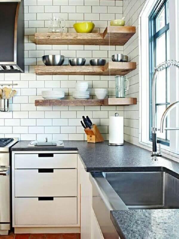modelo de prateleira de canto para cozinha Foto Apartment Therapy
