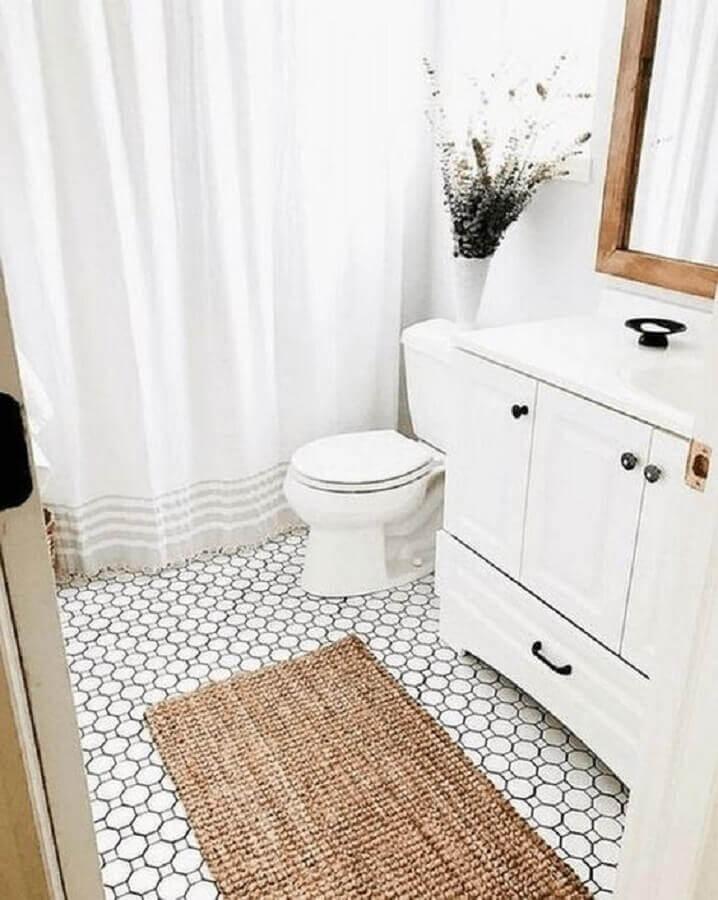 modelo rústico de tapete para banheiro todo branco Foto Pinterest