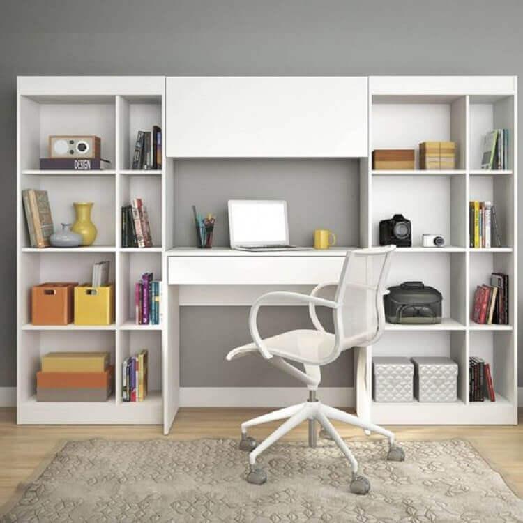 modelo simples de escrivaninha branca com estante Foto MadeiraMadeira