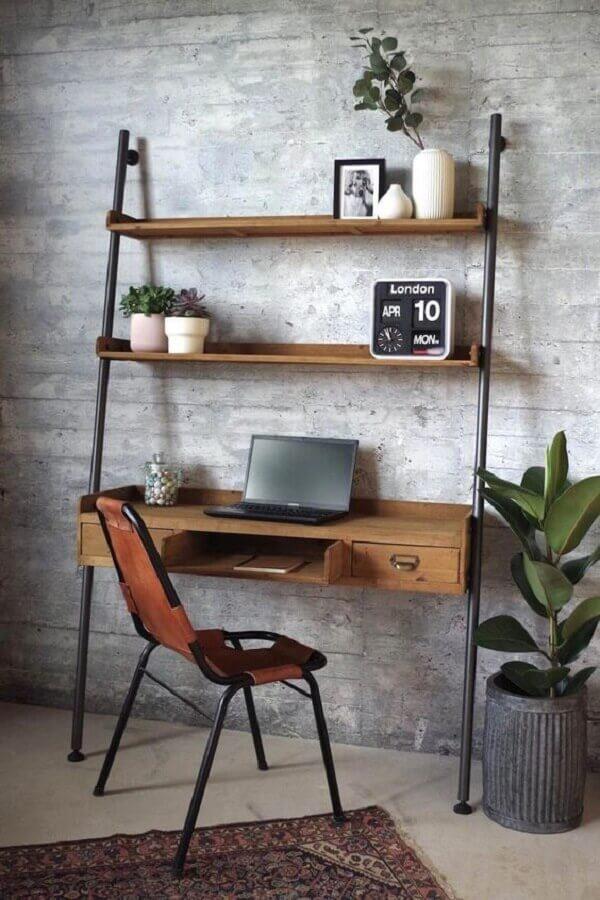 modelo simples de escrivaninha com estante com prateleira de madeira Foto Pinterest