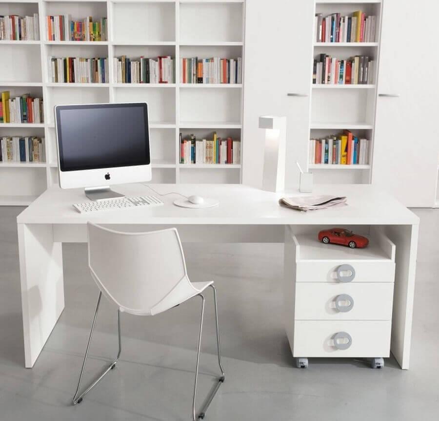 modelo simples de mesa de escritório branca Foto Yandex