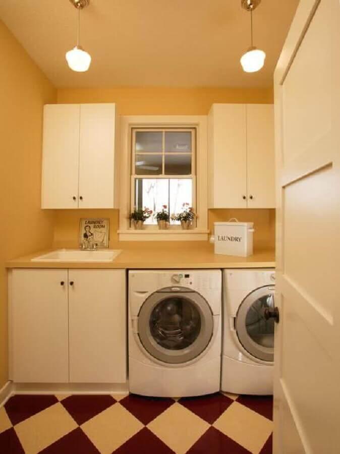 modelos de lavanderia simples decorada com piso branco e vermelho Foto Pinterest
