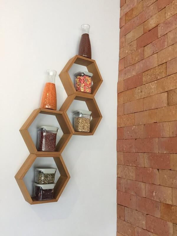 nicho colmeia cozinha de madeira