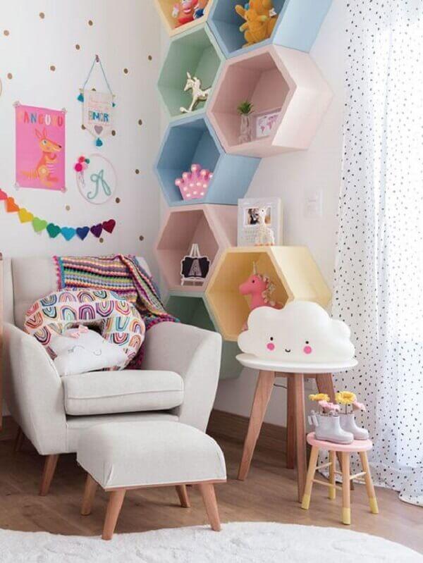 nicho colmeia hexagonal colorido quarto